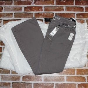 NWT Maurices Flared 5 Pocket Pants Size 5/6